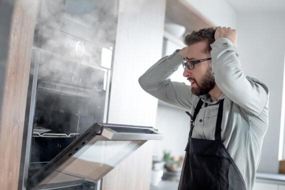 Hiring an Appliance Repair Professional vs. DIY